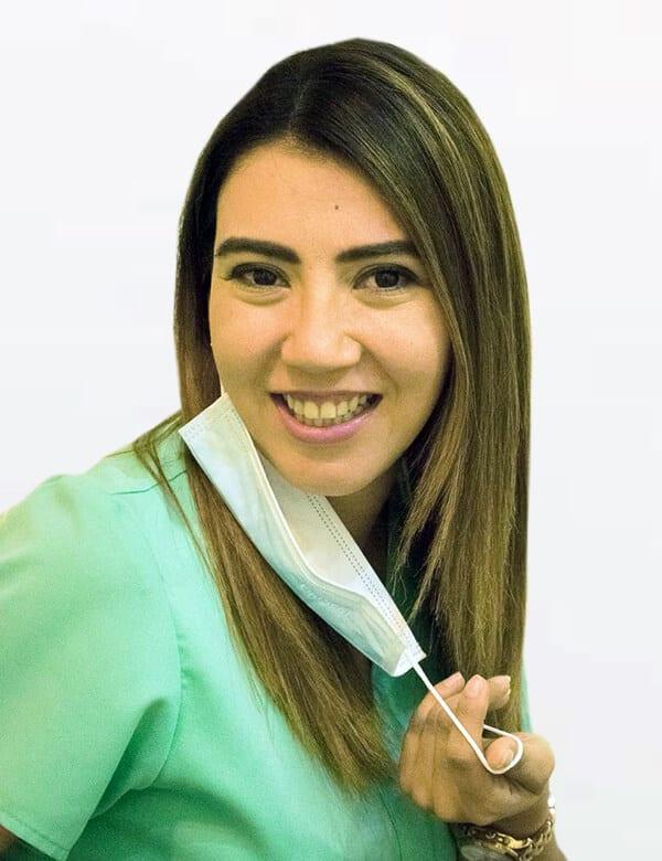 Dra Mayra Garcia Ortodoncia Invisalign