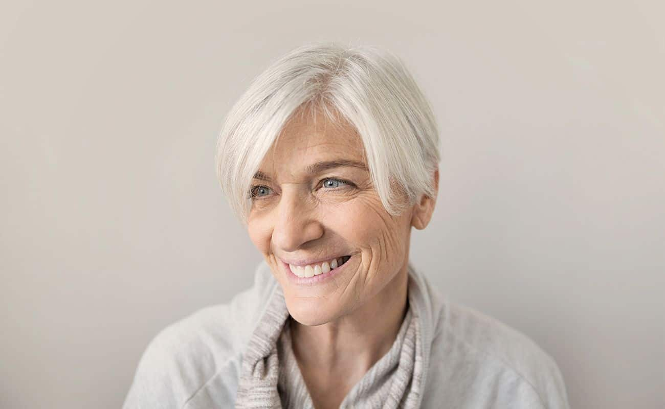 mujer de 3a edad con alzheimer y periodontitis cronica periodoncia e implantes monterrey