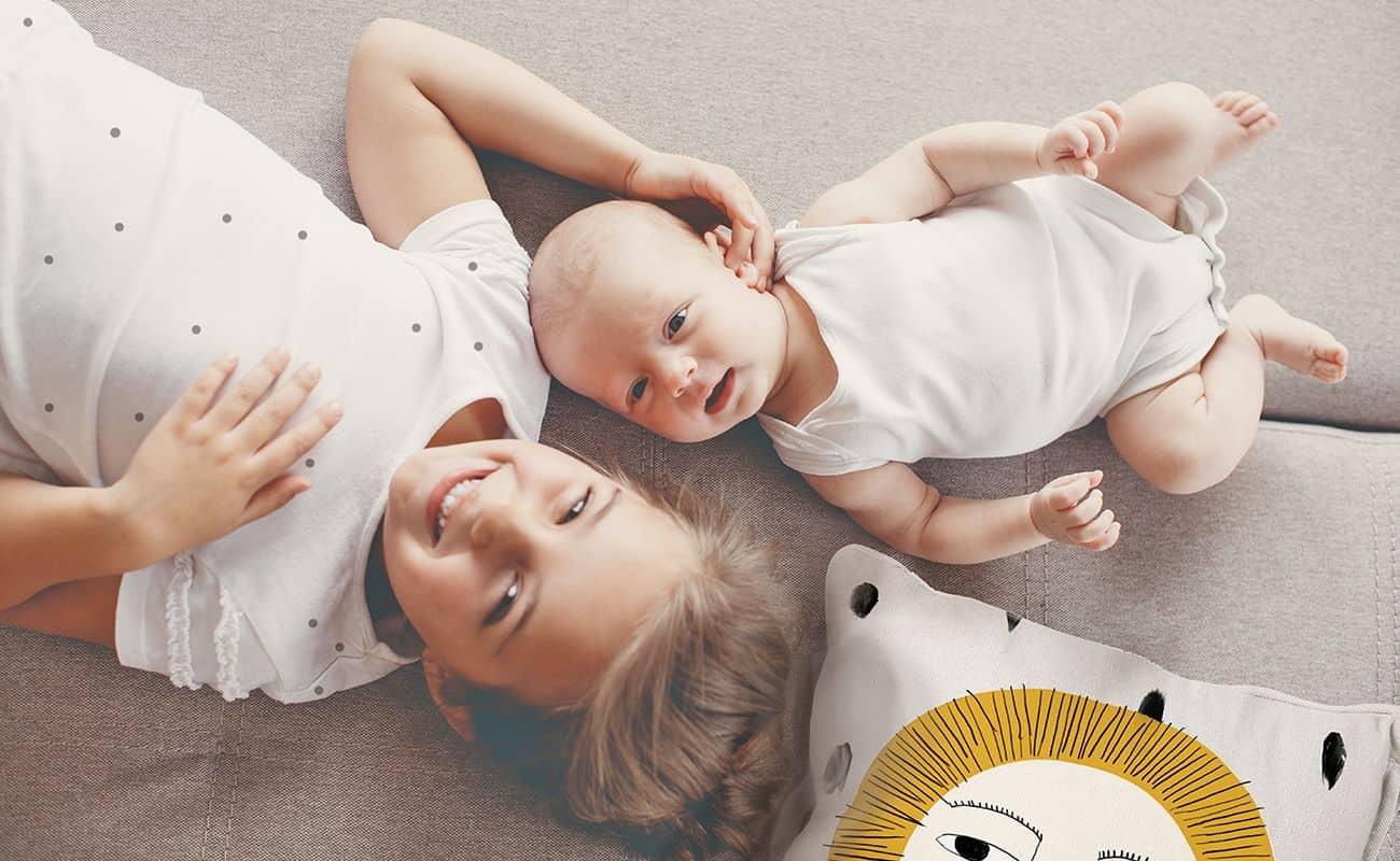 nina y bebe con dientes de leche periodoncia e implantes monterrey
